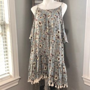 Easel off the shoulder Floral Dress Small